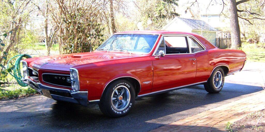 Pontiac_GTO_1966